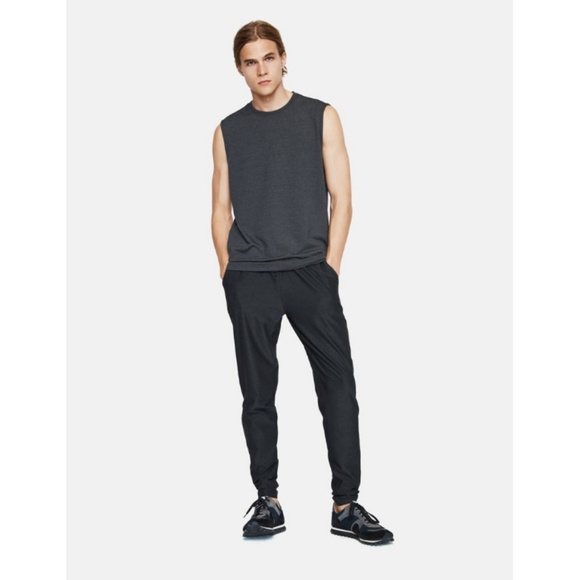 Outdoor Voices Other - Outdoor Voices Runningman Sweatpants in Charcoal
